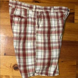 Izod Men's Plaid Shorts
